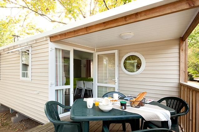 mobil home avec terrasse pour 5 personnes camping au port punay