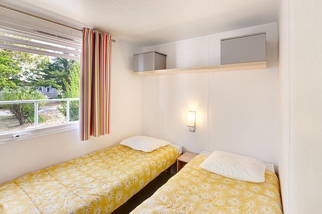 Chambre lits jumeaux mobil home en location les Alizés proche de la rochelle