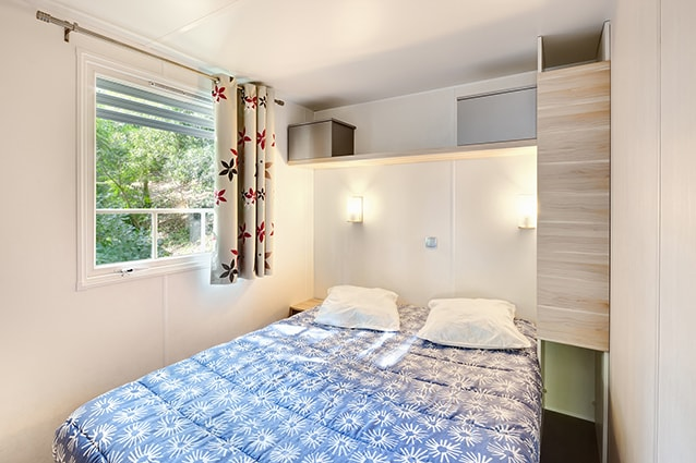 chambre lit double mobil home VIP