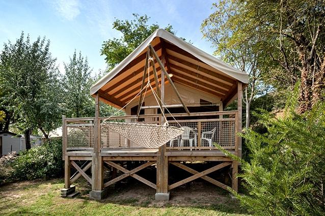 location lodge camping proche de la rochelle