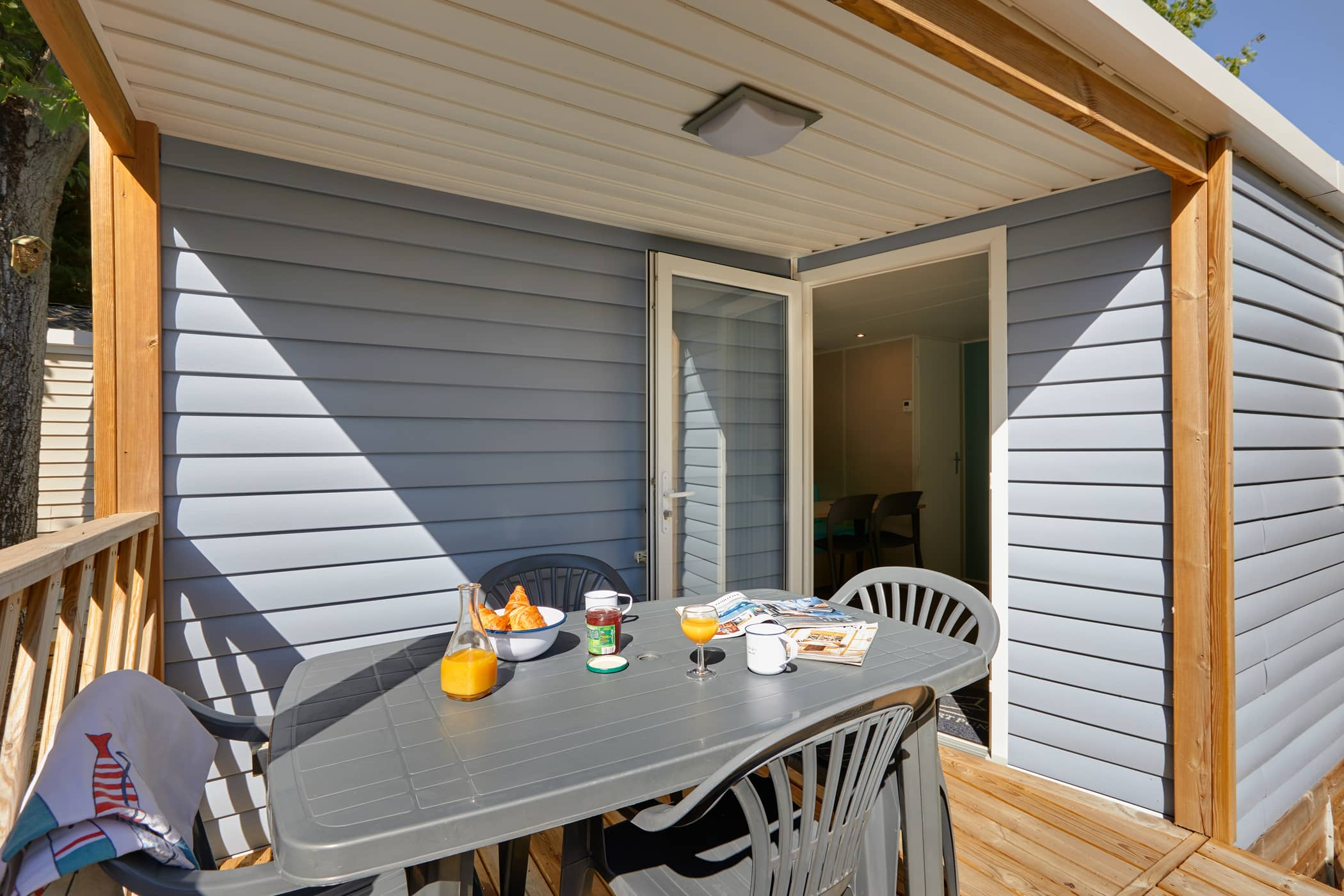 mobil-home Terrasse camping auPort Punay