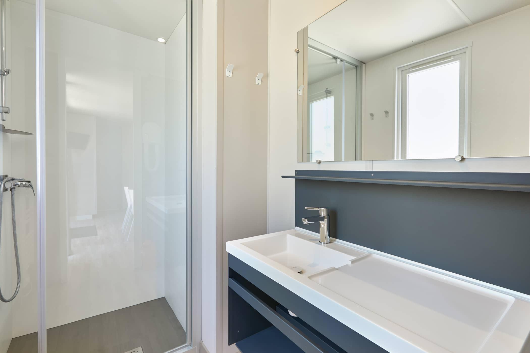 salle d'eau douche location vacances Châtelaillon-Plage